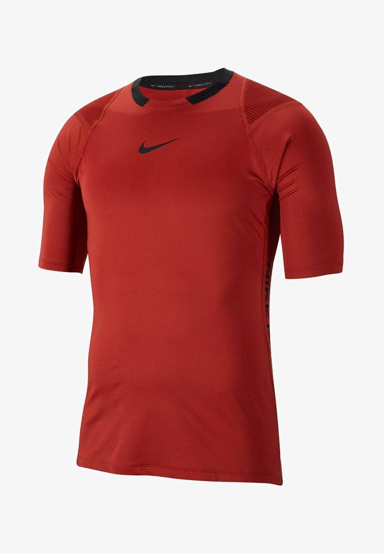 Nike Performance - NIKE PRO AEROADAPT - T-shirt med print - red
