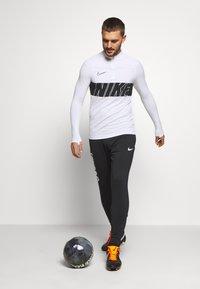 Nike Performance - DRY ACADEMY - Koszulka sportowa - white/black - 1