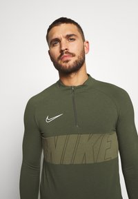 Nike Performance - DRY ACADEMY - Sports shirt - cargo khaki/white - 3