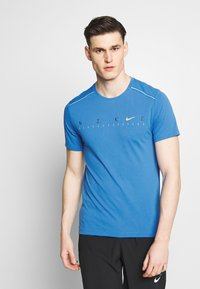Nike Performance - DRY MILER - Print T-shirt - pacific blue - 0