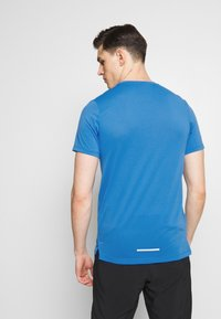 Nike Performance - DRY MILER - Print T-shirt - pacific blue - 2