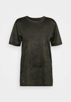DRY TEE CAMO - Print T-shirt - cargo khaki/black