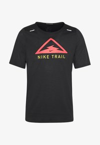 Nike Performance - RISE TRAIL - Camiseta estampada - black/laser crimson - 4