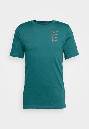 TEE PROJECT  - T-shirt imprimé - bright spruce