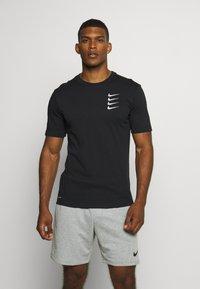 Nike Performance - TEE PROJECT  - Print T-shirt - black - 0