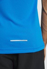 Nike Performance - DRY MILER TANK TECH - Camiseta de deporte - pacific blue/lemon - 5