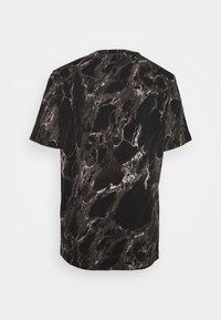 Nike Performance - TEE - Print T-shirt - black - 1
