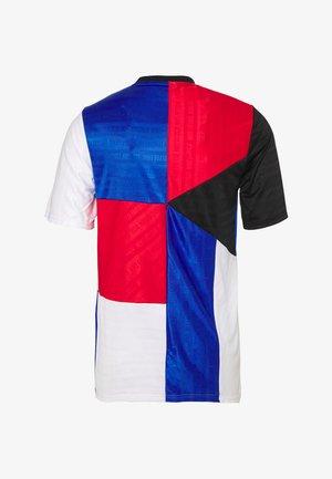 FC HOME - Print T-shirt - game royal/black/university red/white