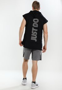 Nike Performance - DRY SHORT - Pantalón corto de deporte - grey - 2