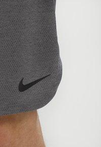 Nike Performance - DRY SHORT - Pantalón corto de deporte - grey - 4