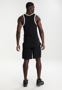Nike Performance - DRY SHORT - Träningsshorts - black/dark grey - 2