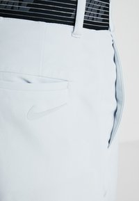 Nike Golf - FLEX PANT SLIM - Pantalon classique - pure platinum - 5