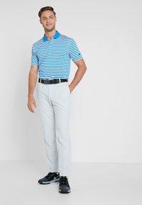 Nike Golf - FLEX PANT SLIM - Pantalon classique - pure platinum - 1