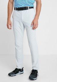 Nike Golf - FLEX PANT SLIM - Pantalon classique - pure platinum - 0