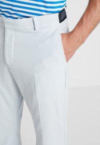 Nike Golf - FLEX PANT SLIM - Pantalon classique - pure platinum - 3