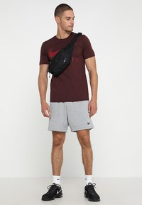 Nike Performance - DRY SHORT  - Träningsshorts - grey heather/black - 1