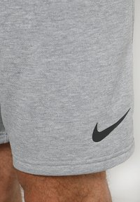 Nike Performance - DRY SHORT  - Träningsshorts - grey heather/black - 4
