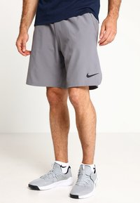 Nike Performance - SHORT - Pantaloncini sportivi - gunsmoke/black - 0