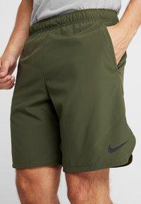 Nike Performance - SHORT - Pantalón corto de deporte - cargo khaki/black - 4