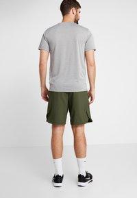 Nike Performance - SHORT - Pantalón corto de deporte - cargo khaki/black - 2