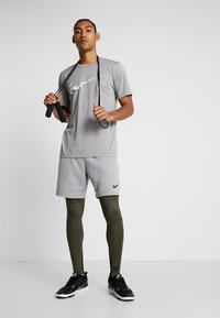 Nike Performance - Punčochy - cargo khaki/black - 1