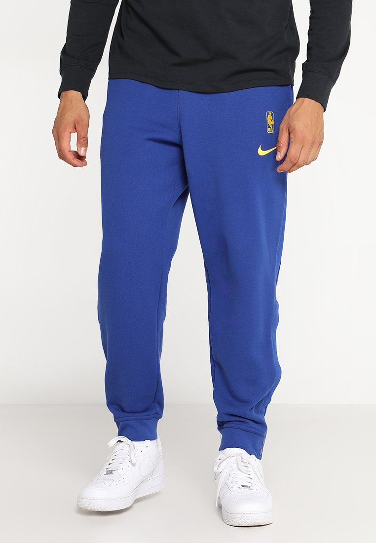 Nike Performance - GOLDEN STATE WARRIORS NBA SNAP PANT COURTSIDE - Jogginghose - rush blue/amarillo