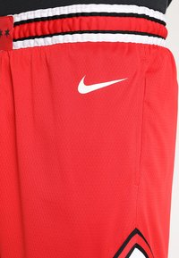 Nike Performance - CHICAGO BULLS NBA SWINGMAN SHORT ROAD - Sports shorts - university red/white - 3