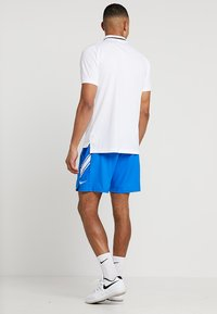 Nike Performance - DRY SHORT - Träningsshorts - signal blue/white - 2
