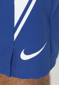 Nike Performance - DRY SHORT - Pantalón corto de deporte - indigo force/white - 5