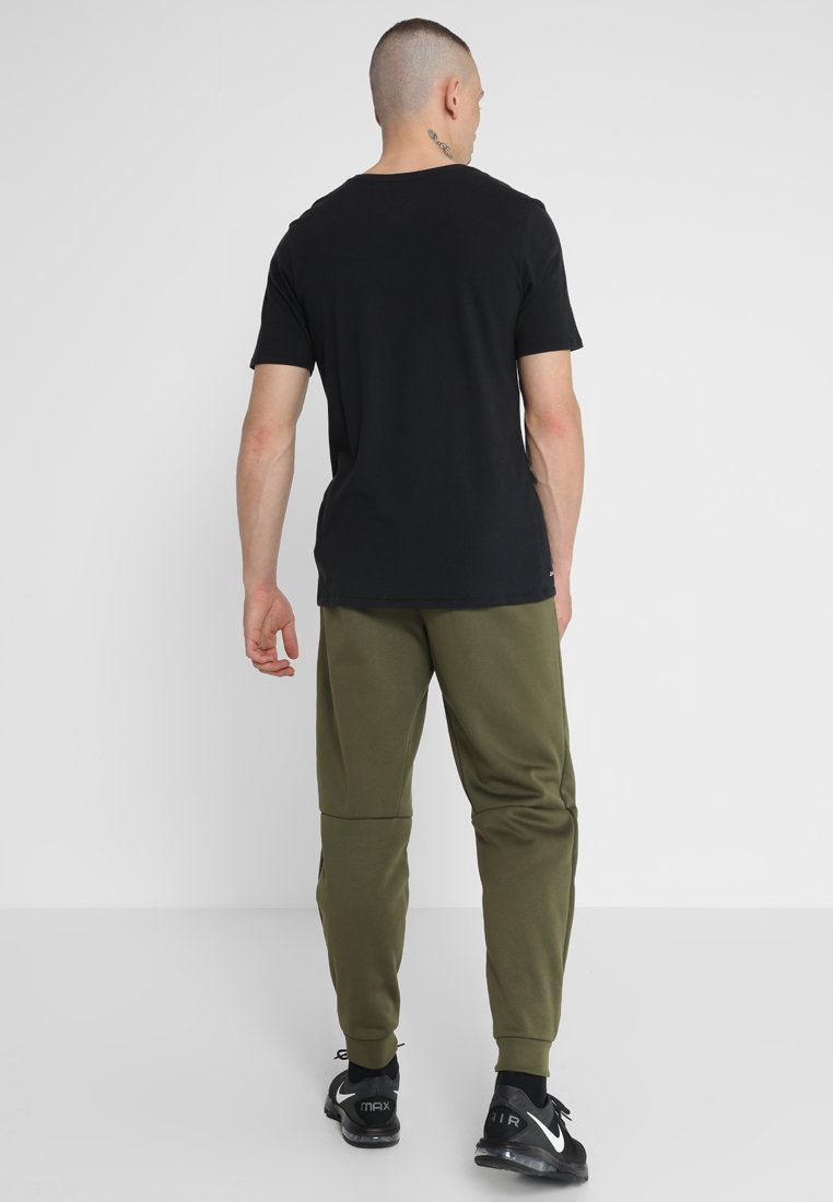 Nike Canvas TaperPantalon De black Survêtement Olive Performance Pant EHYbeD9IW2