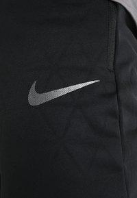 Nike Performance - THERMA SPHERE PANT - Jogginghose - black/anthracite/hematite - 4