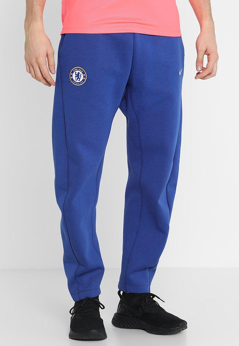Nike Performance - CHELSEA LONDON PANT - Tracksuit bottoms - rush blue/white