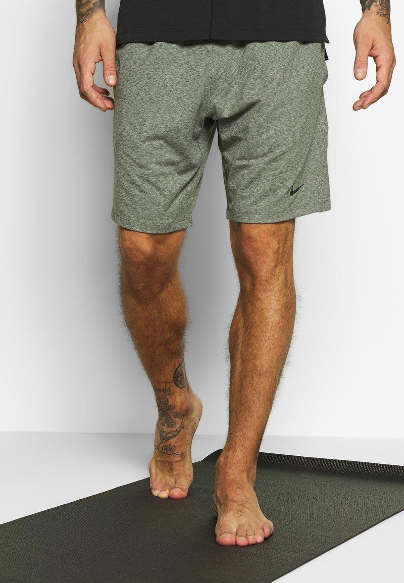Nike Performance - M NK DRY SHORT HPRDRY LT - Pantalón corto de deporte - galactic jade