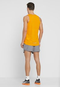 Nike Performance - CHALLENGER SHORT - Pantalón corto de deporte - gunsmoke/heather/silver - 2