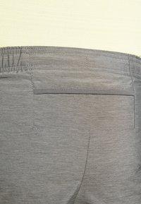 Nike Performance - CHALLENGER SHORT - Sports shorts - iron grey - 3