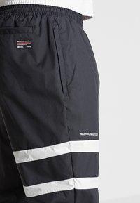 Nike Performance - PANT - Pantaloni sportivi - black/white - 4
