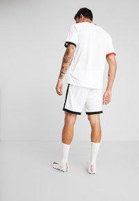 Nike Performance - DRY ACADEMY SHORT  - kurze Sporthose - white/black - 2
