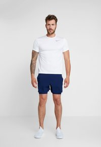 Nike Performance - STRIDE SHORT  - Träningsshorts - blue void/blue void/silver - 1