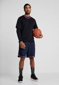 Nike Performance - DRY DNA SHORT 2.0 - Pantalón corto de deporte - obsidian/team orange - 1