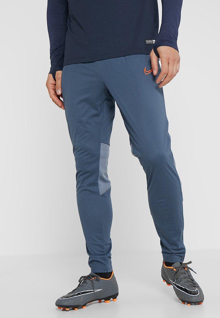 Nike Performance - DRY ACADEMY PANT SUMMER - Jogginghose - monsoon blue/armory blue/hyper crimson