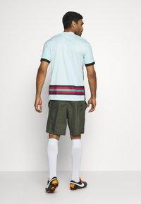 Nike Performance - DRY ACADEMY SHORT - Sports shorts - cargo khaki/cargo khaki/white - 2