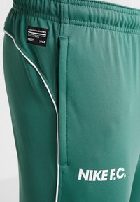 Nike Performance - FC PANT - Teplákové kalhoty - bicoastal/white - 4