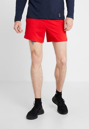 FLEX STRIDE SHORT - Pantalón corto de deporte - university red/reflective silver