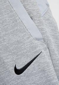 Nike Performance - DRY PLUS - Trainingsbroek - particle grey/heather/black - 6