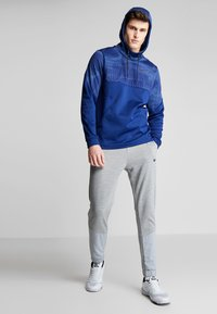 Nike Performance - DRY PLUS - Tracksuit bottoms - particle grey/heather/black - 1