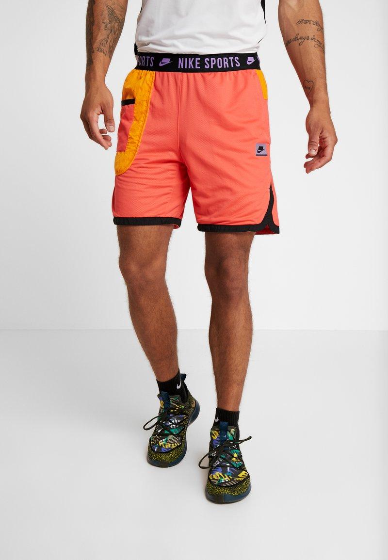 Nike Performance - Krótkie spodenki sportowe - ember glow/kumquat/black/bright violet
