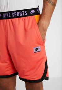 Nike Performance - Short de sport - ember glow/kumquat/black/bright violet - 3