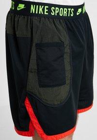 Nike Performance - Pantaloncini sportivi - black/sequoia/habanero red/electric green - 5