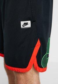 Nike Performance - Short de sport - black/sequoia/habanero red/electric green - 4