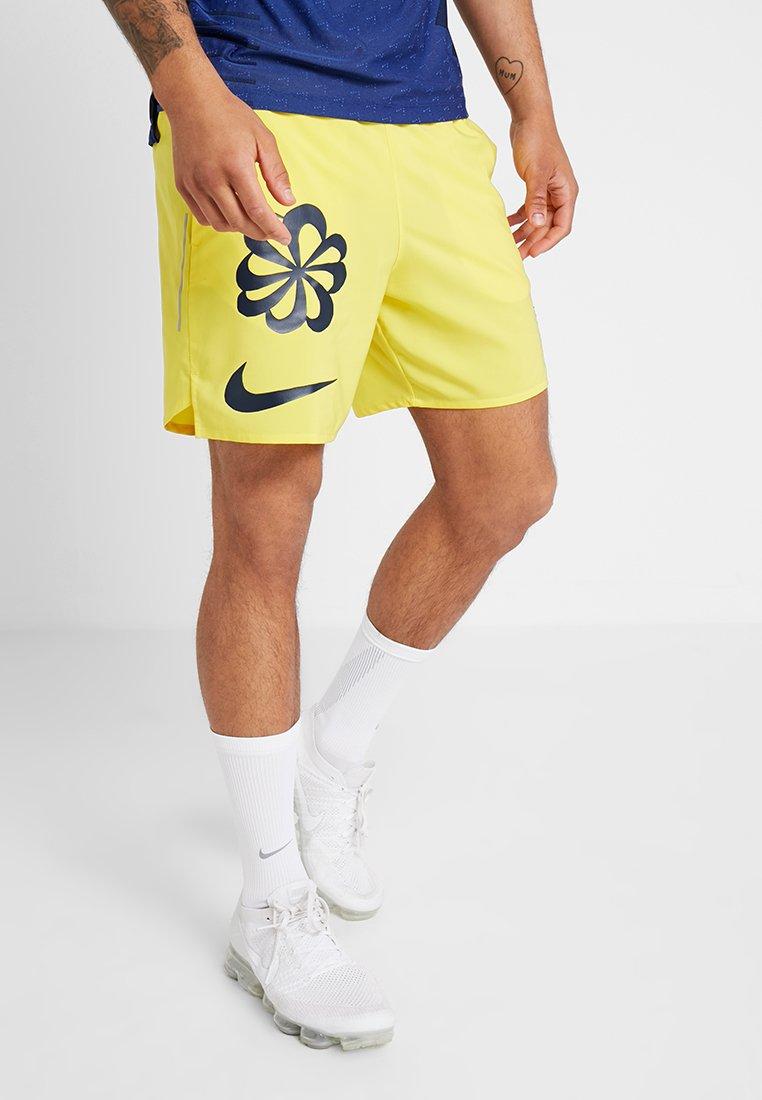 Nike Performance - ARTIST FLEX STRIDE - kurze Sporthose - chrome yellow/obsidian